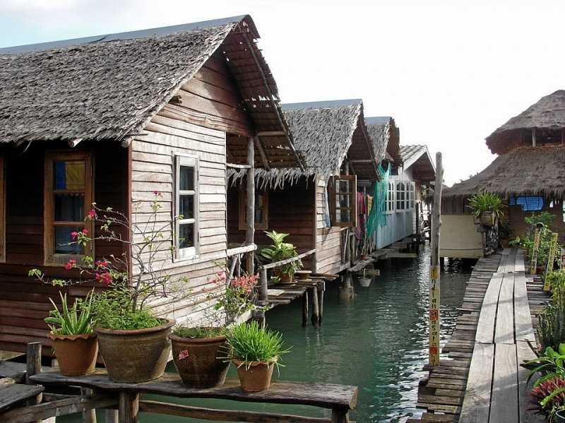 Ко Чанг Деревня на сваях Банг Бао