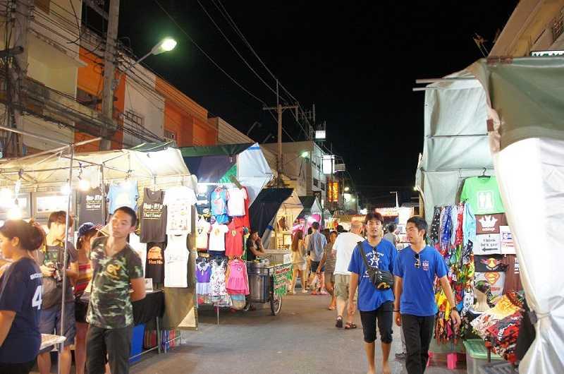 Курорт Ча Ам Тайланд ночной рынок
