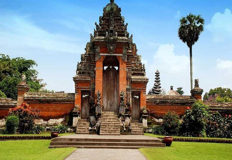 Курорт Кута храм Таман Аюн(Менгви)