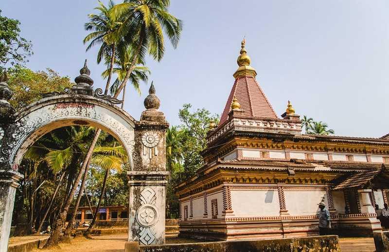 Курорт Морджим храм Шри Мораджи