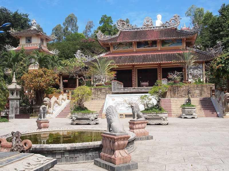 Нячанг пагода Лонг Шон центральный вход