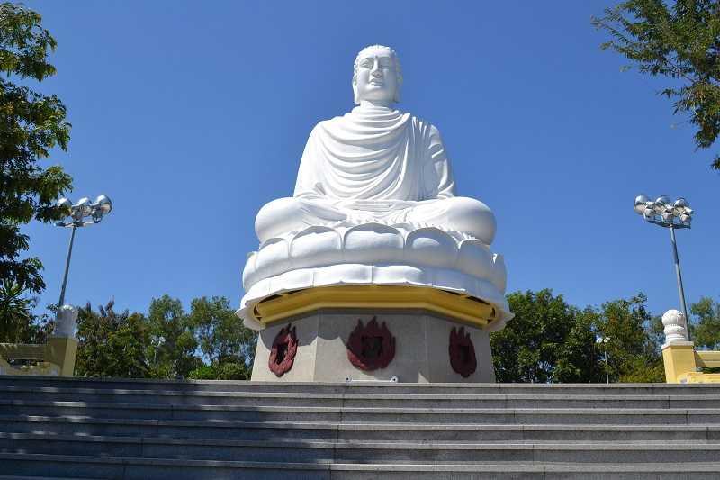 Нячанг пагода Лонг Шон