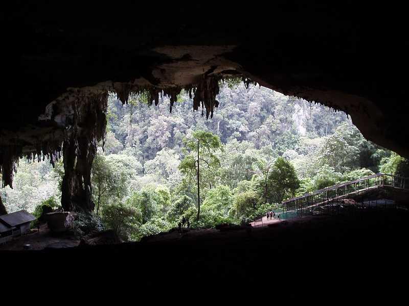 Остров Борнео пещеры Ниах и Мулу