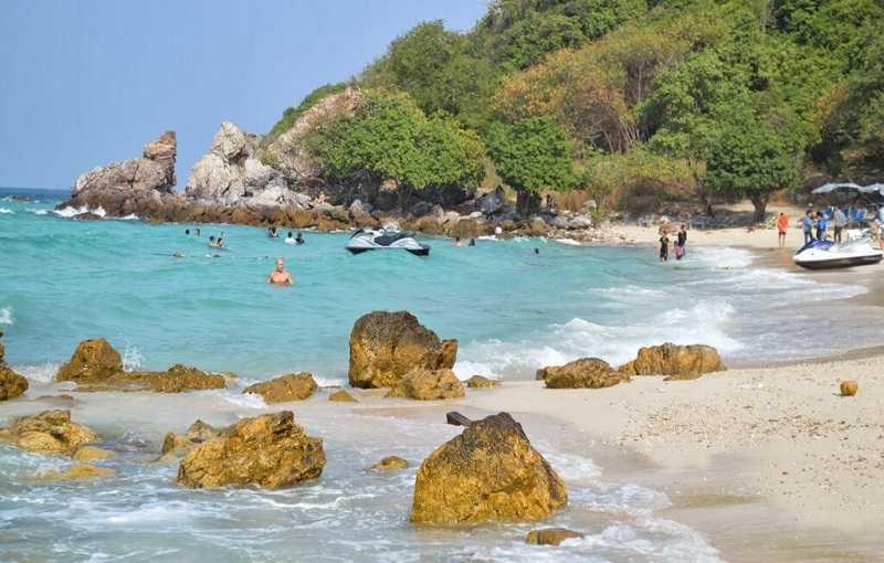 Остров Ко Лан Пляж Та-Яй