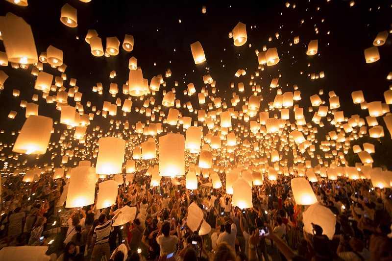 Остров Пхукет праздник Лой Кратонг