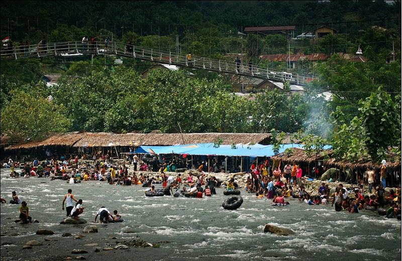 Остров Суматра Деревня Букинг Лаванг