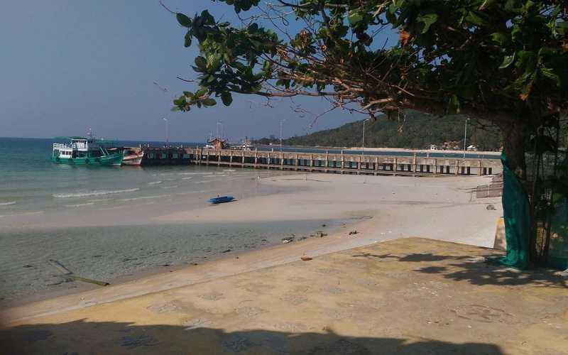 Панган пляж Чалоклам рыбаки
