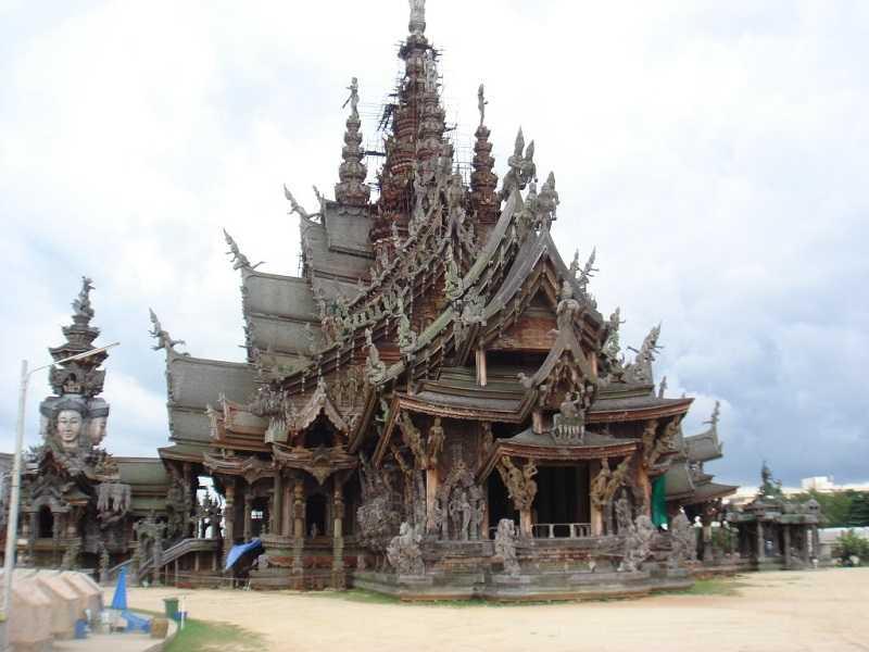 Паттайя храм Вуден Темпл