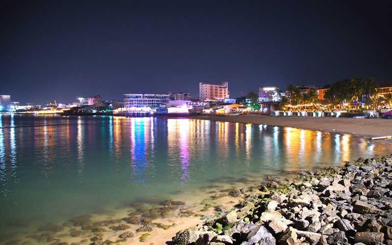 Паттайя центральный пляж ночью