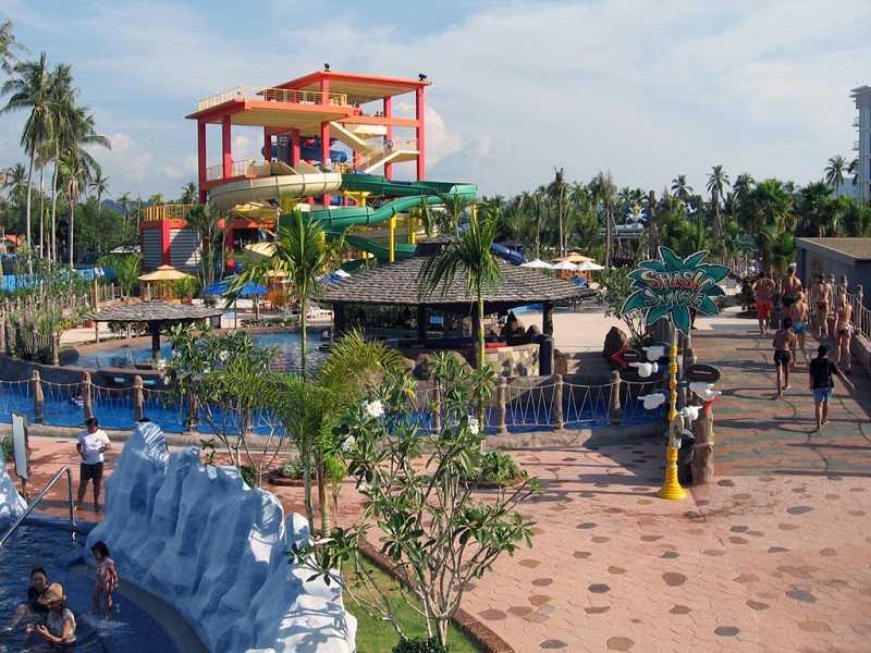 Пхукет аквапарк на пляже Май Као