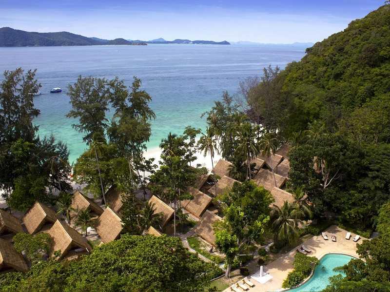 Пхукет отель Coral Island Resort