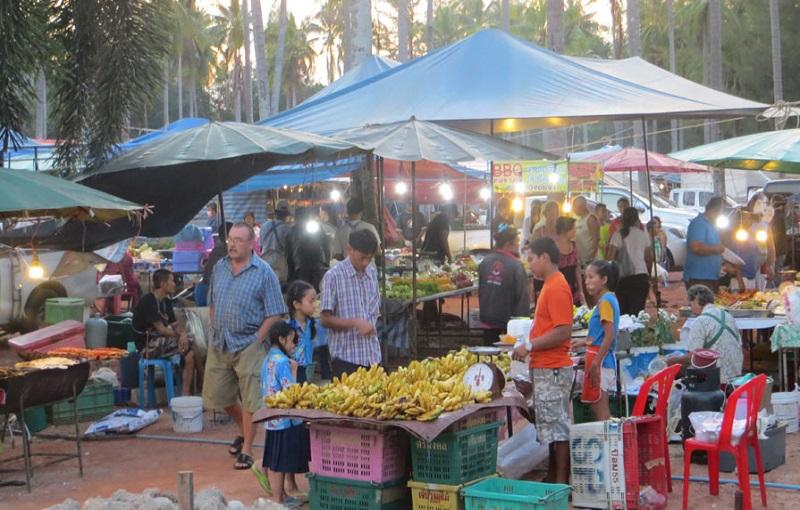 Пхукет рынок Talad Nat