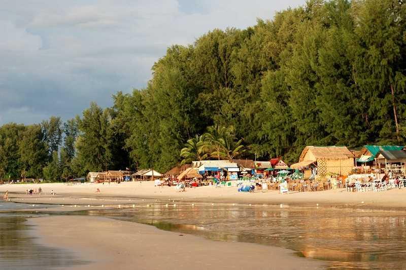 Пляж Банг Тао центральная часть