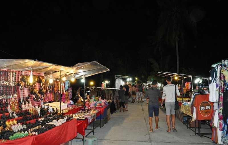 Пляж Чавенг на Самуи рынок