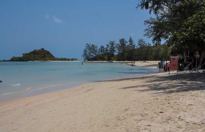 Пляж Чонг Мон Самуи чистый пляж