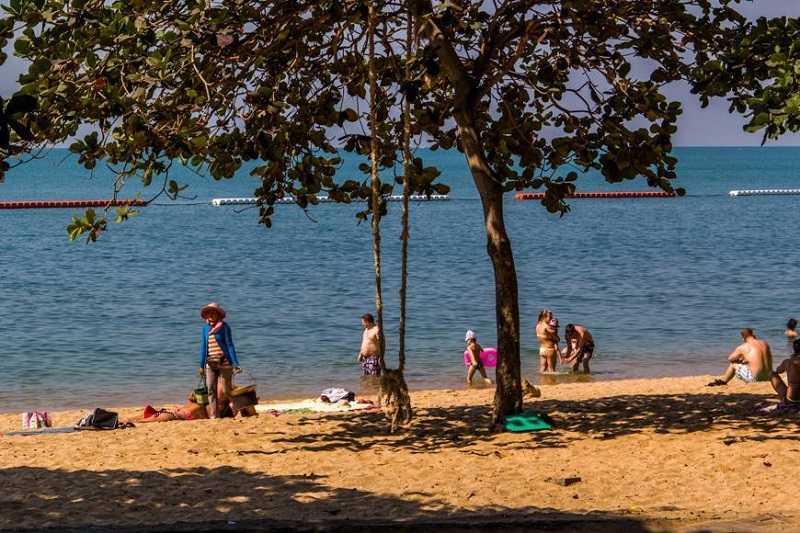 Пляж Донгтан в Паттайе1