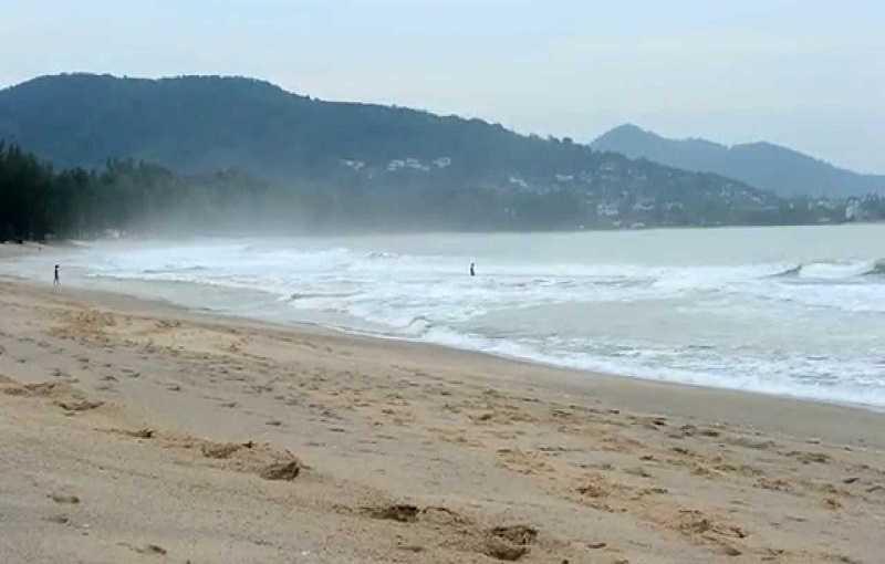 Пляж Найтон на Пхукете сезон дождей