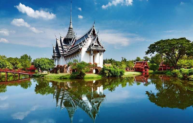 Пляж Равай Храм Wat Sawang Arom