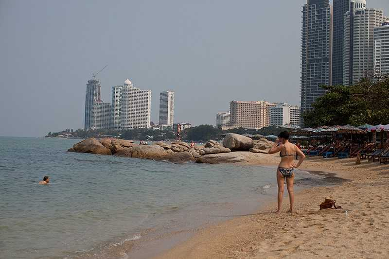 Пляж Вонгамат Паттайя чистый пляж