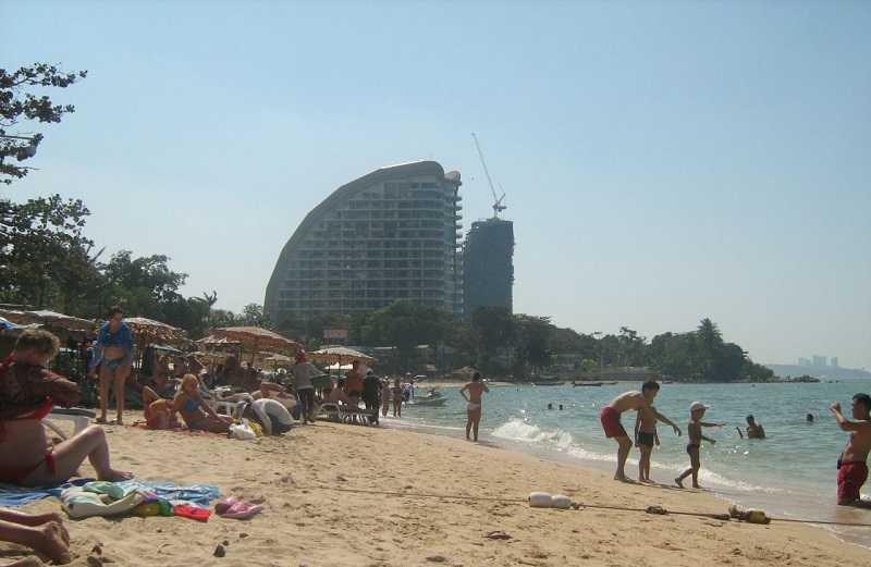 Пляж Вонгамат Паттайя спокойный отдых
