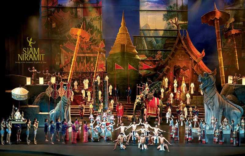 Шоу Сиам Нирамит на Пхукете представление