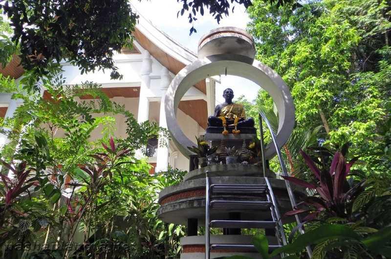 Самуи храм Хин Лад