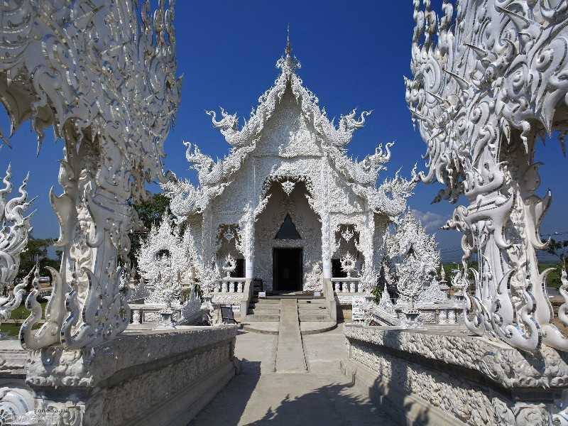 Тайланд Белый храм Ват Ронг Кхун чианграй ворота