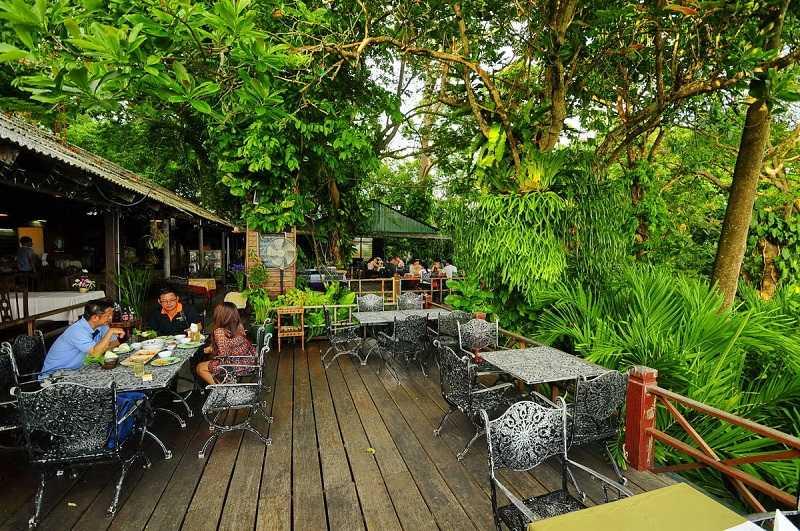 Thailand_Phuket_Khao_Rang_restaurant_7566_1