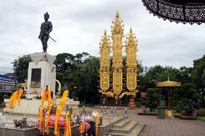 город Чианг  Памятник Королю Менграю