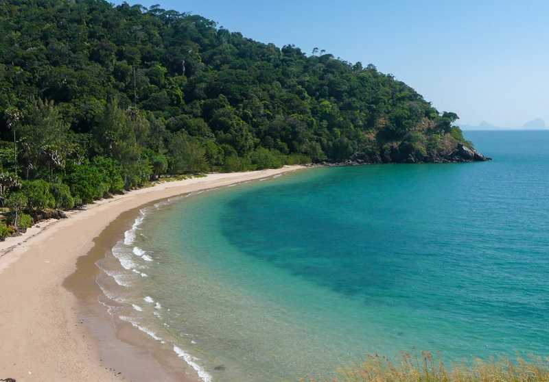 остров Ко Ланта пляж Бамбу Бей