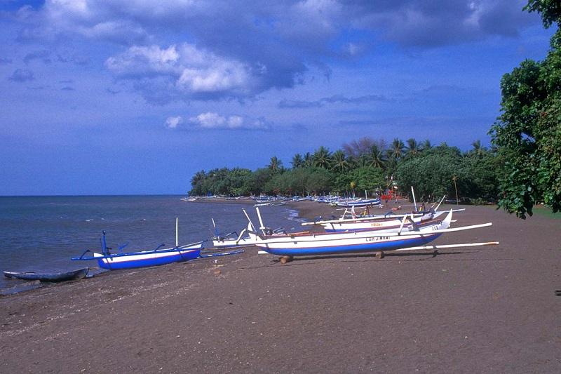 пляж Бли Ловина