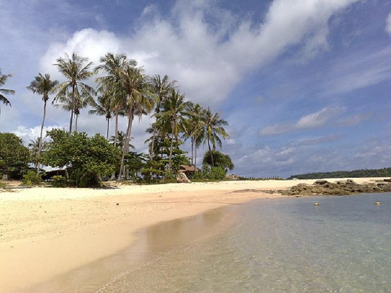 северный гоа пляж Тиракол
